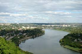 Curățarea canalelor râului Botna continuă